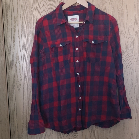 Mossimo Supply Co. red & blue plaid flannel shirt